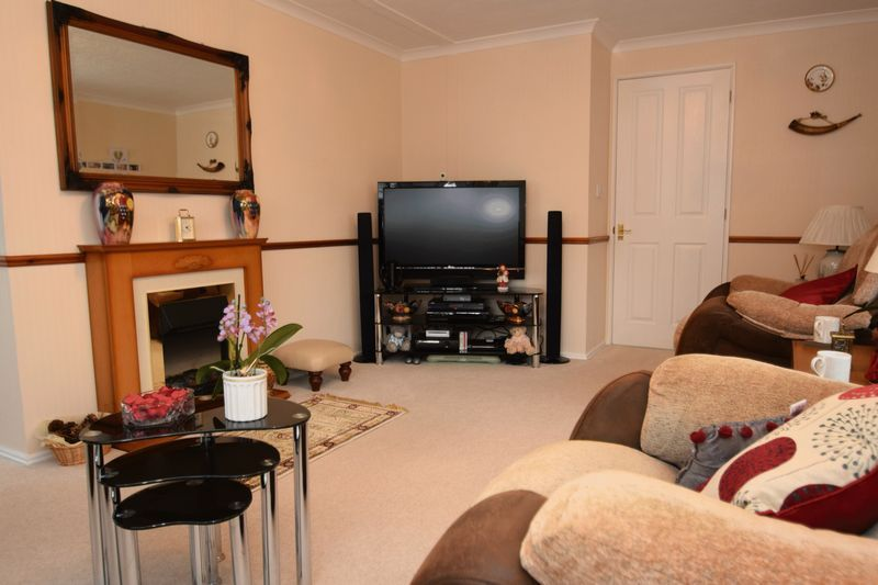 2 bed bungalow for sale in Hampton Loade Park Homes  - Property Image 4