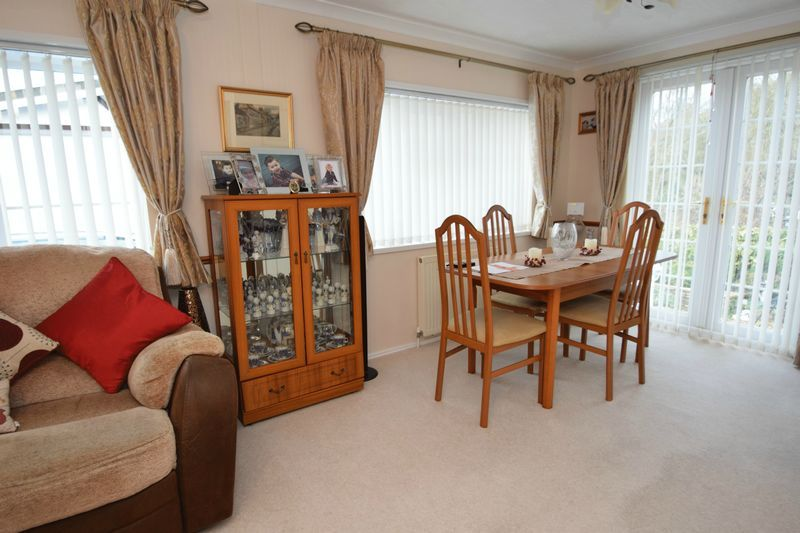 2 bed bungalow for sale in Hampton Loade Park Homes  - Property Image 5