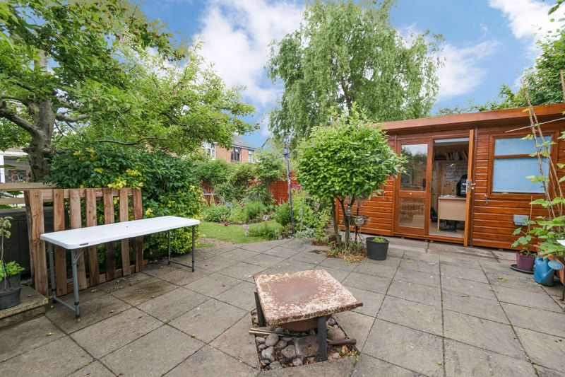 3 bed house for sale in Stoke Road 12