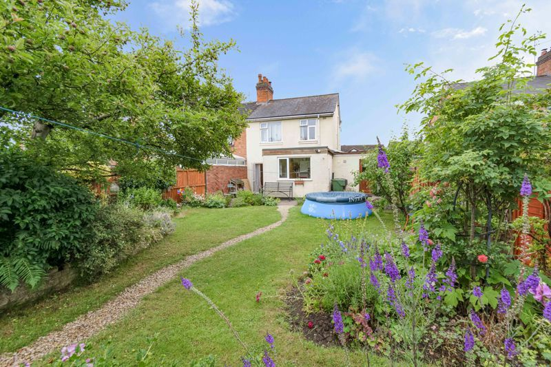 3 bed house for sale in Stoke Road 14