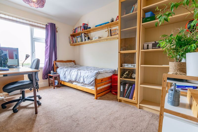 3 bed house for sale in Stoke Road  - Property Image 9