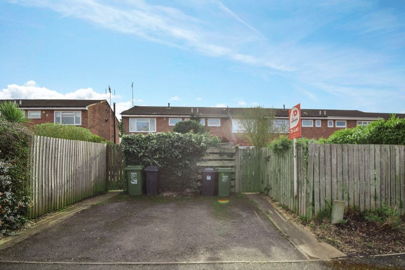 2 bed house to rent in Sandygate Close 12
