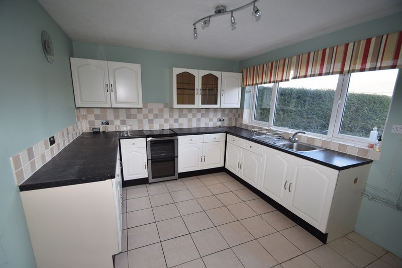 2 bed house to rent in Sandygate Close 4