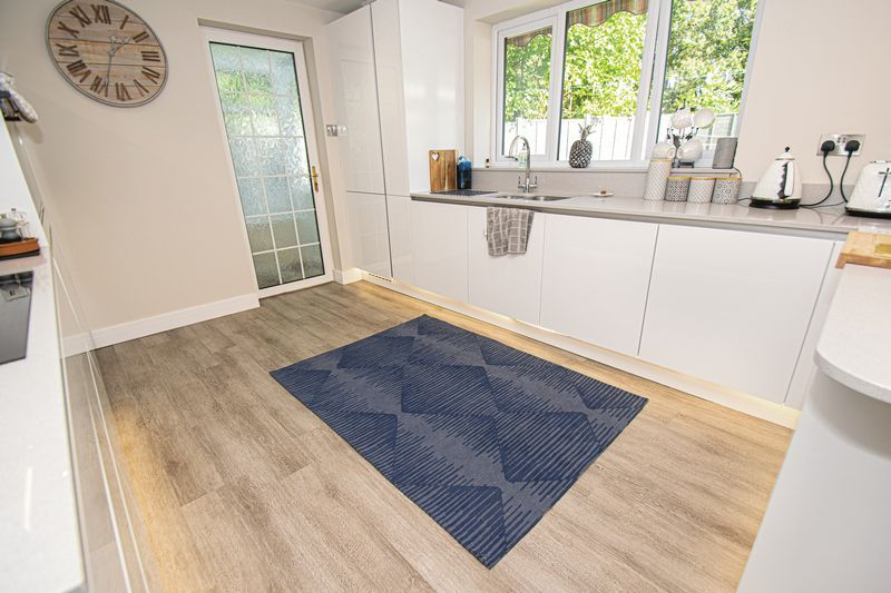 3 bed house for sale in Kitebrook Close 6