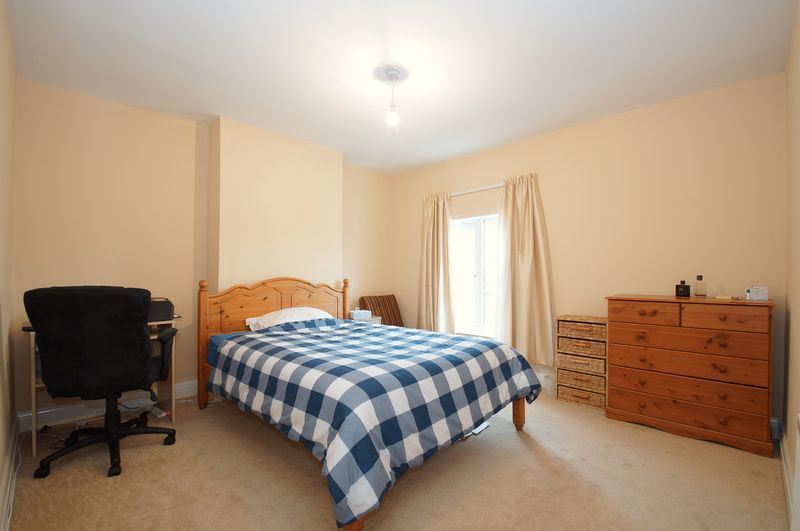2 bed house for sale in Evesham Road 4