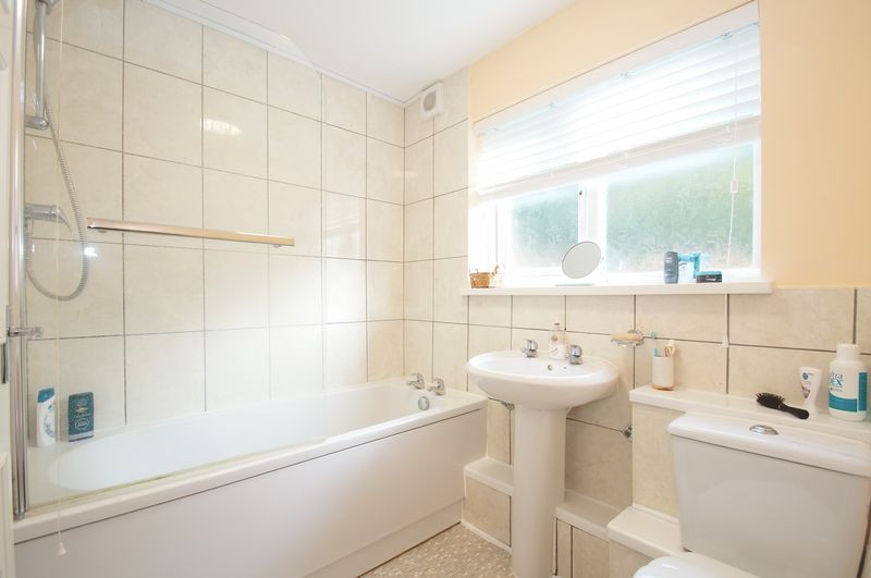2 bed house for sale in Evesham Road  - Property Image 8