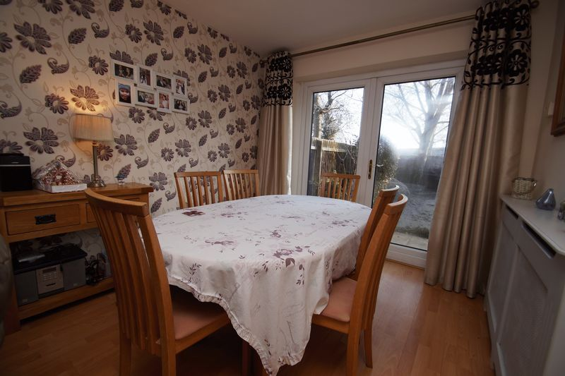 3 bed house for sale in Lassington Close 5