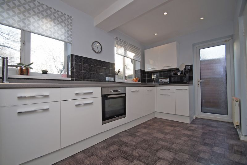 3 bed house for sale in Lassington Close  - Property Image 6