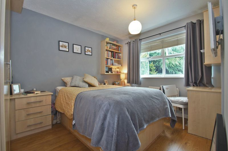4 bed house for sale in Harbours Close  - Property Image 11