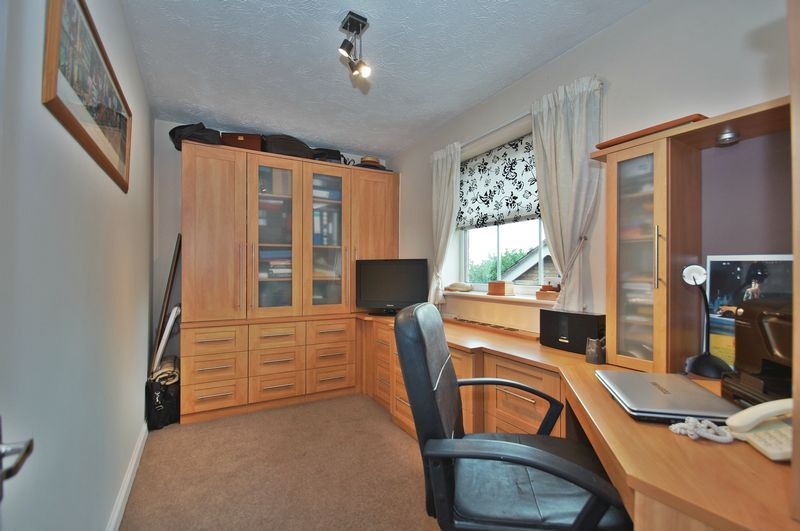 4 bed house for sale in Harbours Close  - Property Image 14
