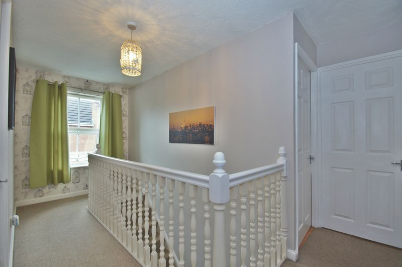 4 bed house for sale in Harbours Close 16