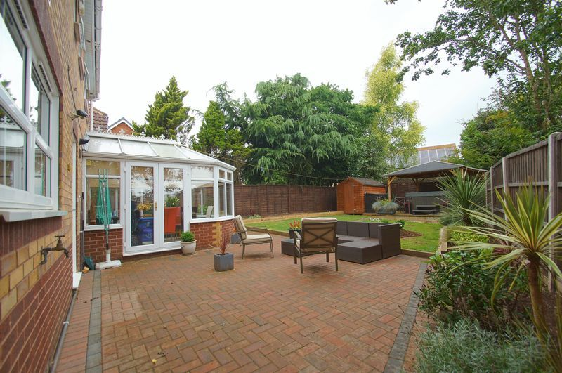 4 bed house for sale in Harbours Close  - Property Image 17