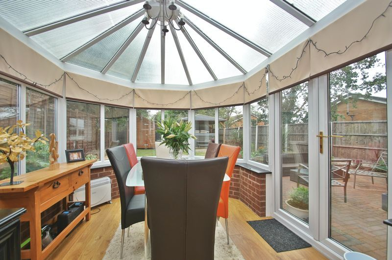 4 bed house for sale in Harbours Close  - Property Image 5
