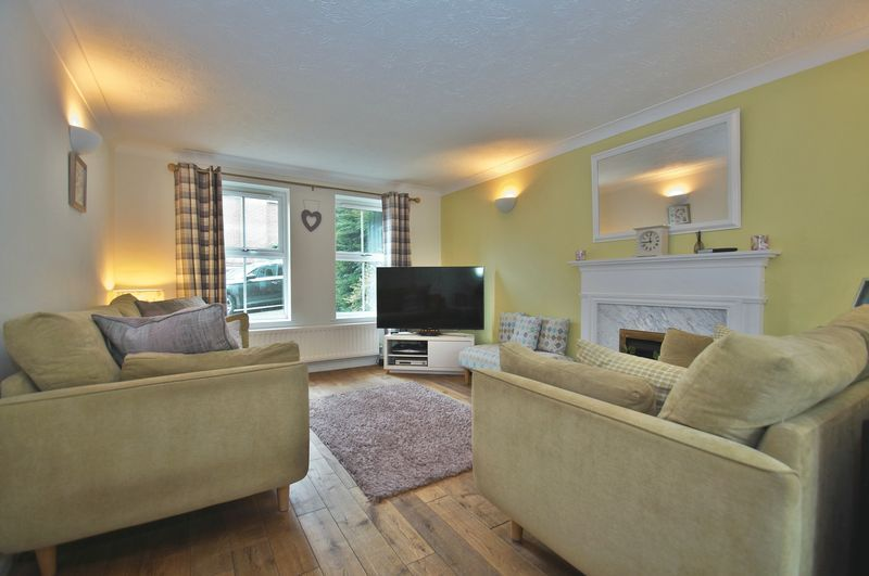 4 bed house for sale in Harbours Close  - Property Image 6