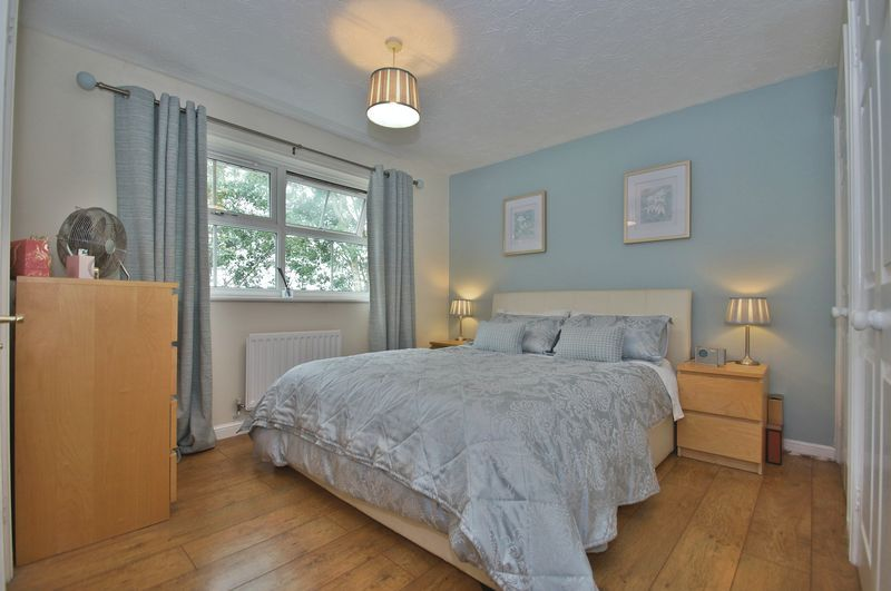 4 bed house for sale in Harbours Close 8