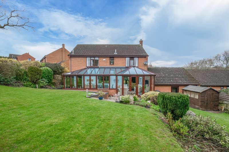 5 bed house for sale in Towbury Close 14