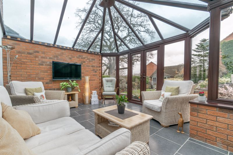 5 bed house for sale in Towbury Close 16