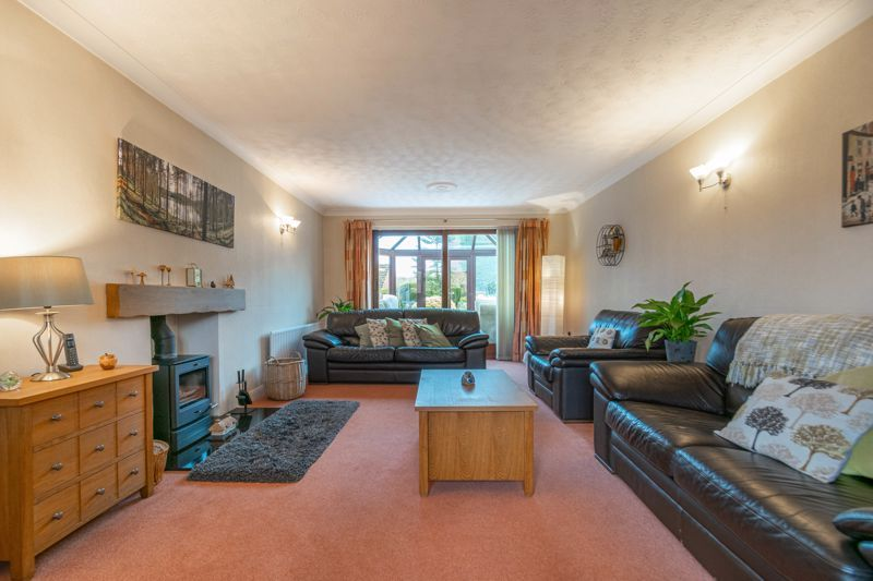 5 bed house for sale in Towbury Close 18