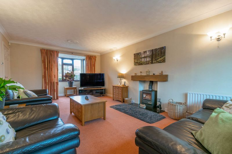 5 bed house for sale in Towbury Close 4
