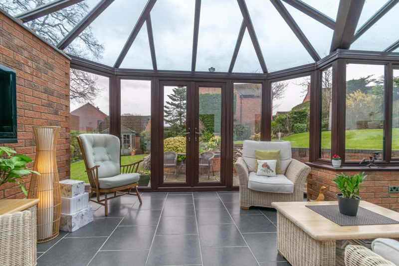 5 bed house for sale in Towbury Close 6