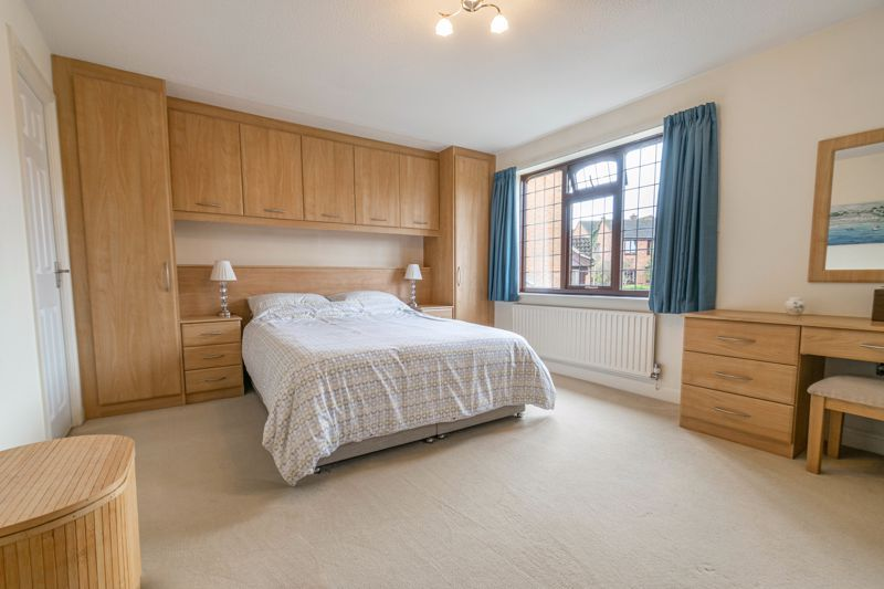 5 bed house for sale in Towbury Close 7