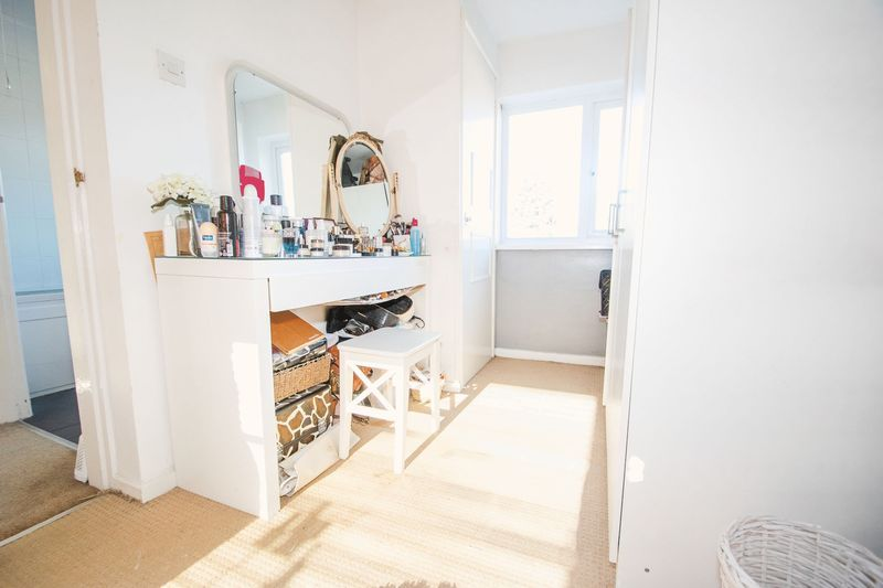 3 bed house for sale in High Street 12