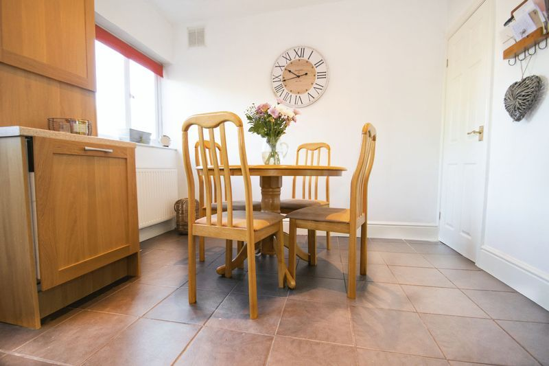 3 bed house for sale in High Street 6