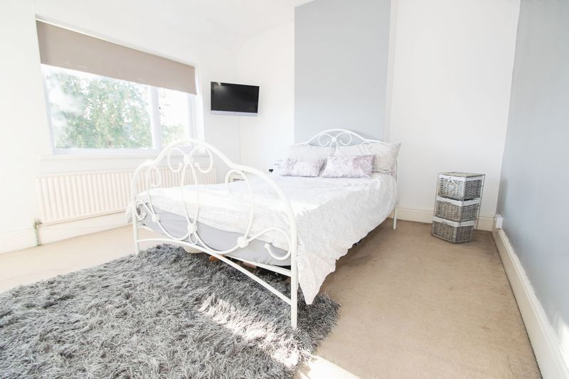 3 bed house for sale in High Street 8