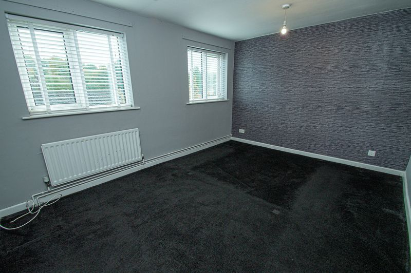2 bed house for sale in Bushley Close 11