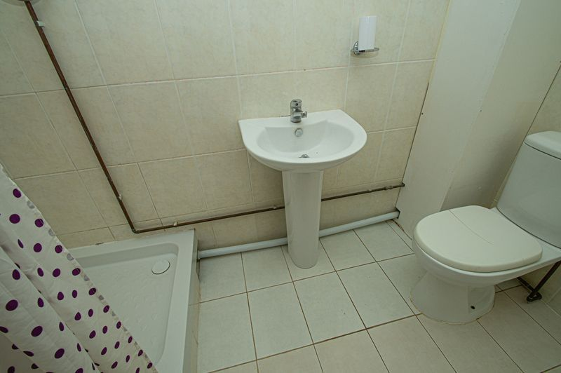 2 bed house for sale in Bushley Close 5