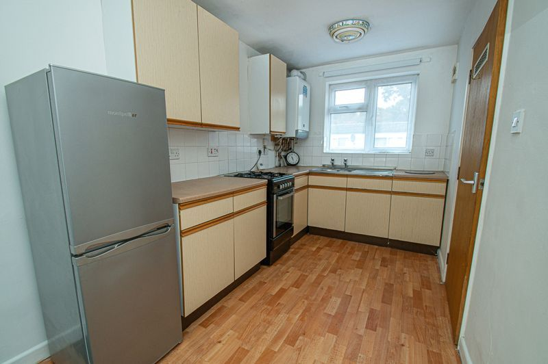 2 bed house for sale in Bushley Close 7