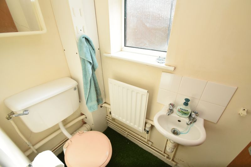 2 bed house for sale in Bushley Close 10
