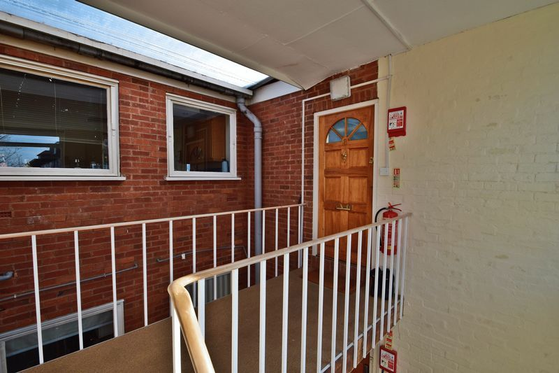 1 bed flat for sale in Prospect Hill 11