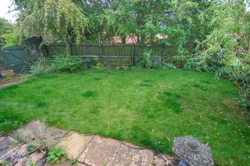 5 bed house for sale in Upper Field Close 12
