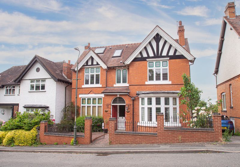 4 bed house for sale in Salop Road  - Property Image 1