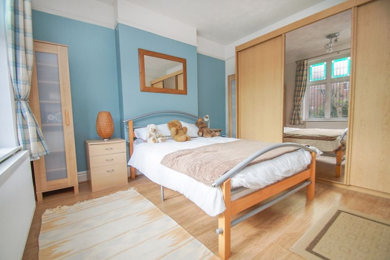 4 bed house for sale in Salop Road 16