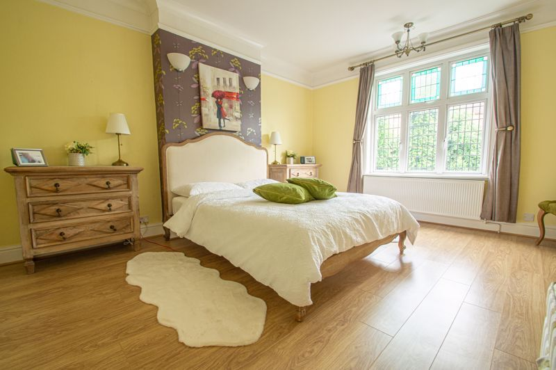 4 bed house for sale in Salop Road  - Property Image 8