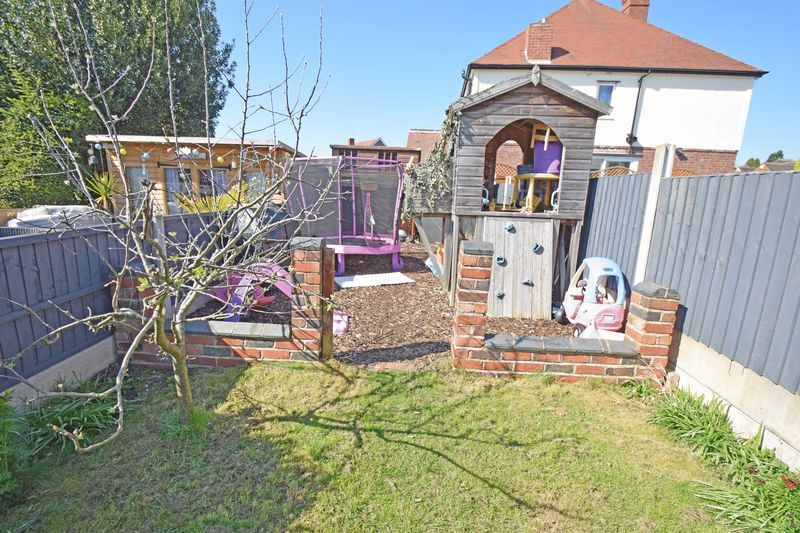 4 bed house for sale in Thorns Road  - Property Image 17