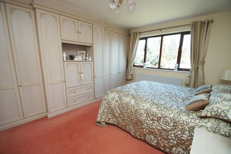 5 bed house for sale in Bridgnorth Road  - Property Image 12