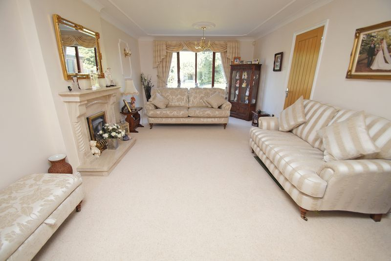 5 bed house for sale in Bridgnorth Road  - Property Image 4