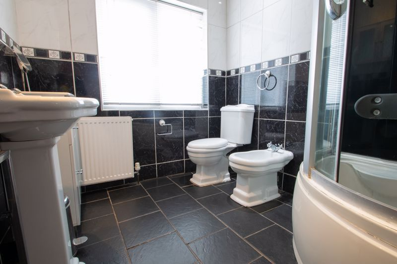 2 bed house for sale in Thorns Road 11