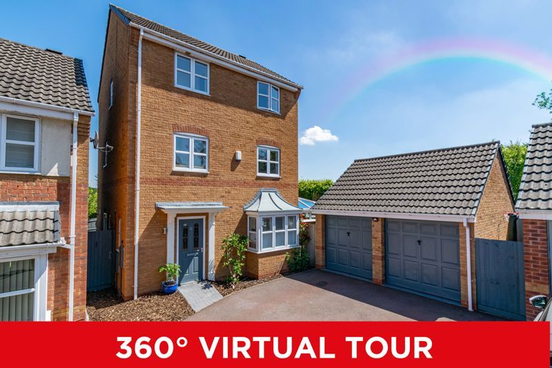 5 bed house for sale in Parklands Close - Property Image 1