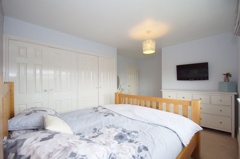 5 bed house for sale in Parklands Close 11