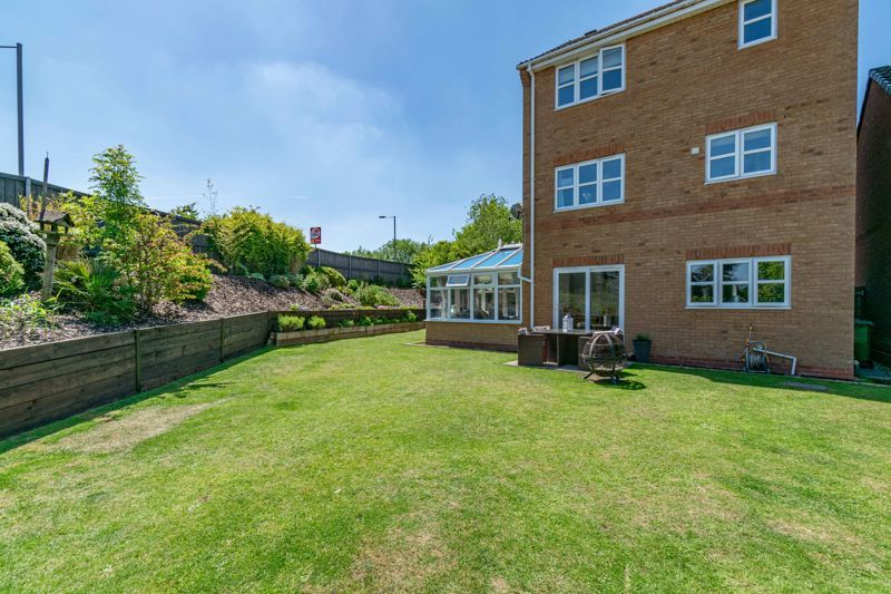 5 bed house for sale in Parklands Close 13