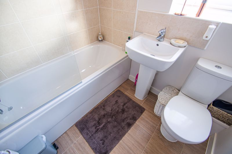 4 bed house for sale in Elrington Close  - Property Image 12