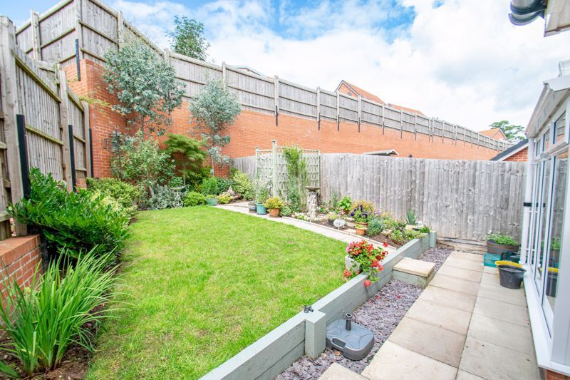 4 bed house for sale in Elrington Close  - Property Image 13