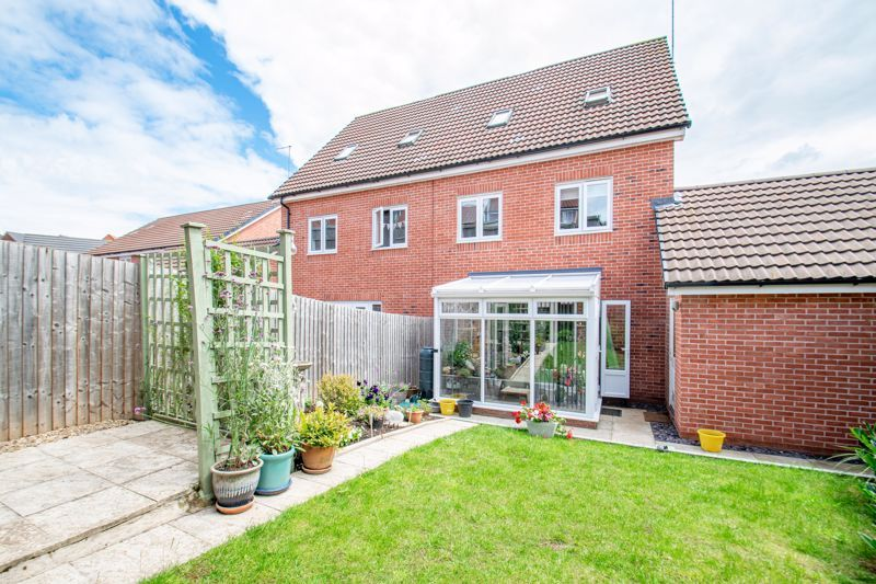 4 bed house for sale in Elrington Close  - Property Image 14