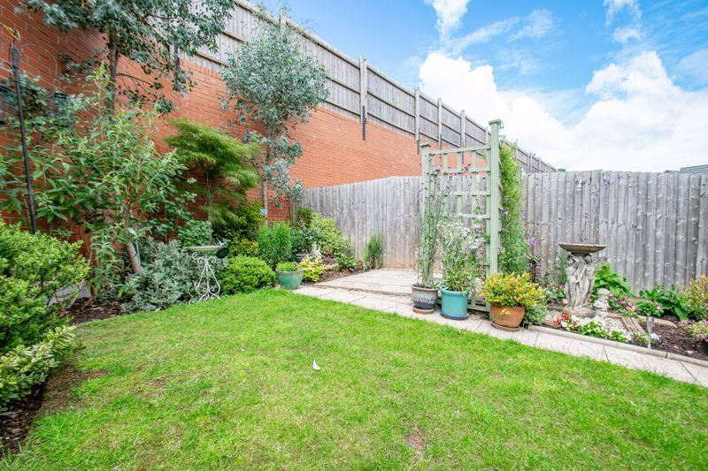 4 bed house for sale in Elrington Close  - Property Image 15