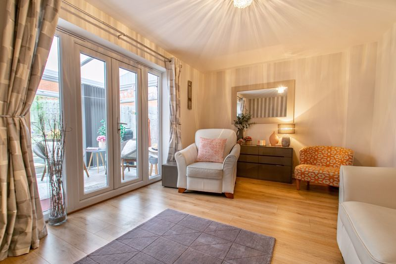 4 bed house for sale in Elrington Close 3