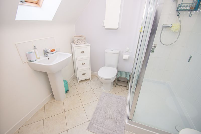 4 bed house for sale in Elrington Close 8